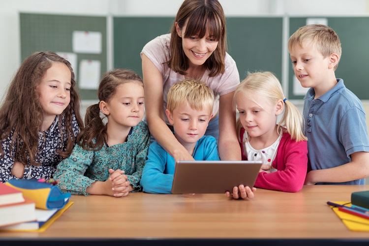 Wie gelingt der Quereinstieg als Lehrer/in in Nordrhein-Westfalen und Rheinland-Pfalz?